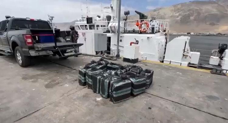 Policía marítima de Iquique logra histórico decomiso: droga incautada supera los 10 mil millones
