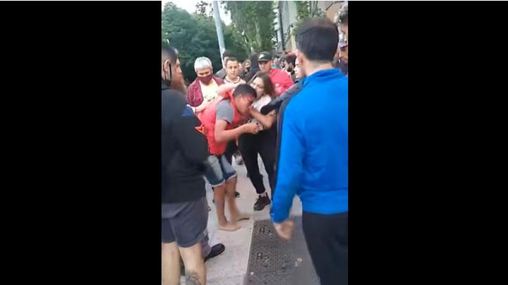 Experta en artes marciales le dio el susto de su vida a un sujeto que quiso robarle el celular