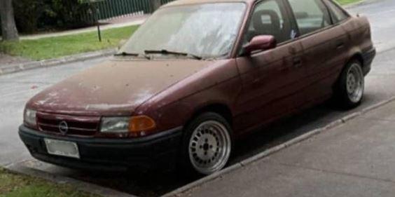 Vecino de Las Condes denunció insólita situación: Remolcaron mi auto por 'ser de pobre'