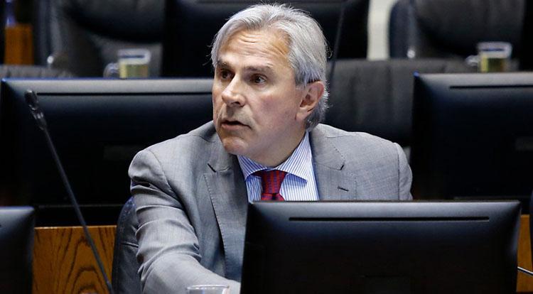 «Populista»: Iván Moreira se llena de críticas tras anunciar apoyo al 2do retiro