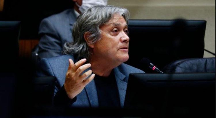 Senador Navarro sigue en estado grave pero saldrá de ventilación mecánica