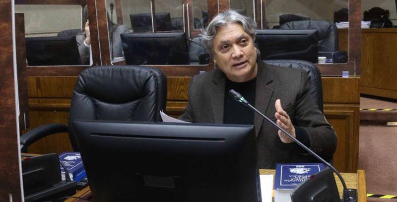 Senador Navarro sigue en estado crítico: «No ha presentado ninguna mejoría»
