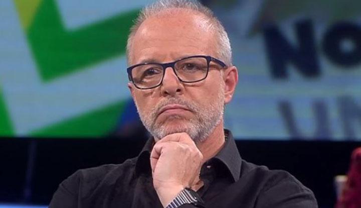 «Duraré un mes»: la irónica publicación con que Alberto Plaza criticó salida de Pérez