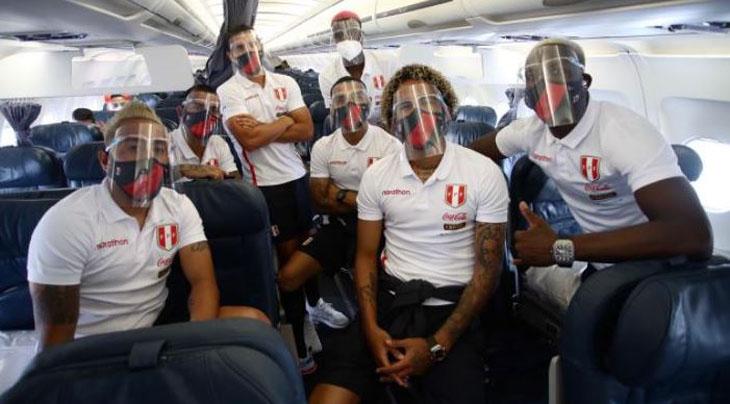 Crisis en Perú: hinchas citan ejemplo de la selección chilena y piden no jugar el viernes
