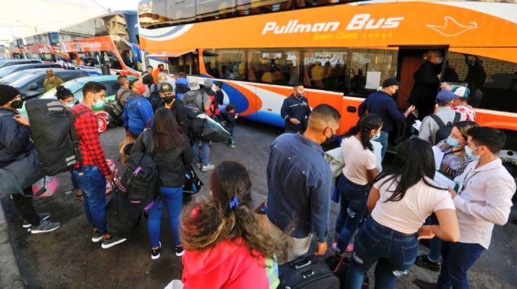 Más de 350 venezolanos fueron trasladados a Santiago tras ingresar ilegalmente al país