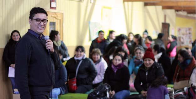 Los Ángeles: Cadena de oración por jefe de enfermeros grave por Covid