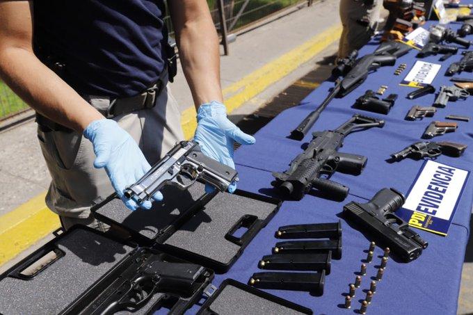 """Operación """"Santos Inocentes"""": detienen a 16 personas por tráfico de armas y municiones"""