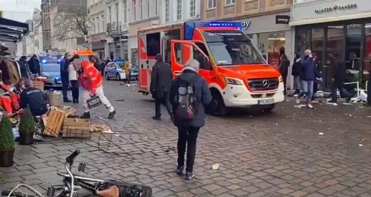 Atropello masivo en Alemania deja por lo menos dos muertos y varios heridos
