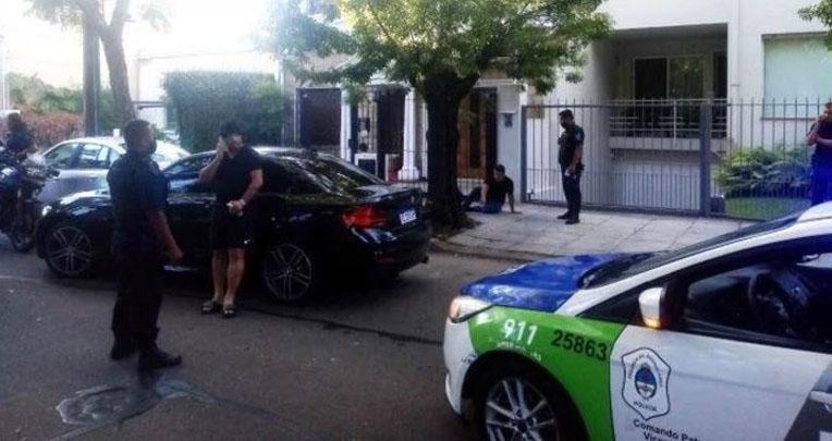 Conductor de un BMW pensó que lo asaltarían y le disparó a un repartidor de comida