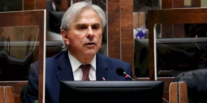 «Seguir empobreciendo a los chilenos»: Moreira critica a Jiles por anunciar proyecto del 3er Retiro