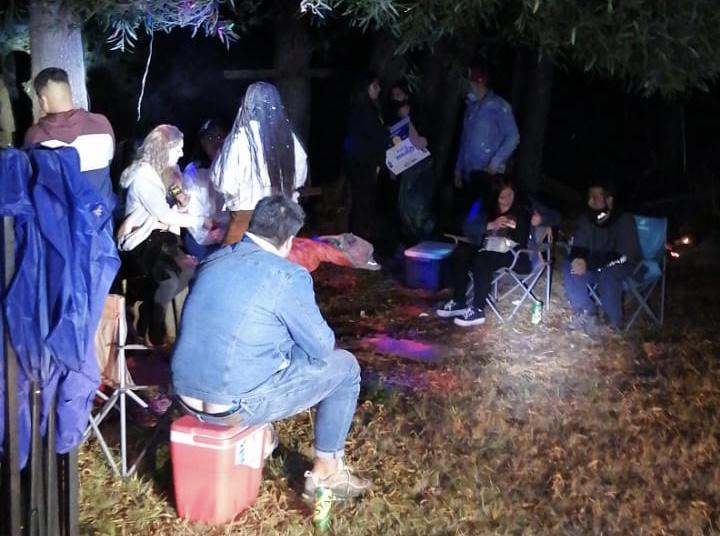 Fiesta clandestina en Santa Juana: Inician 13 sumarios sanitarios