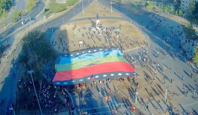 Cientos de personas se manifestaron en Plaza Dignidad: al menos 2 detenidos