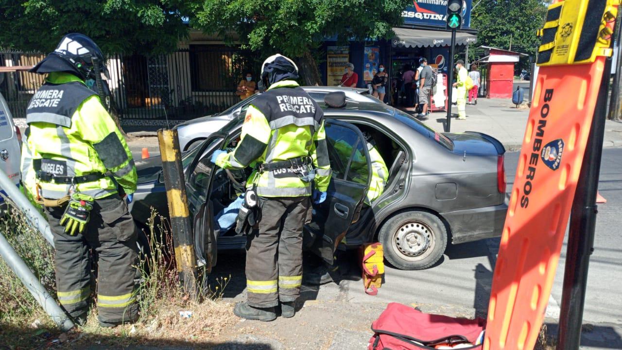 Los Ángeles: Una mujer resulta lesionada tras colisión en pleno centro