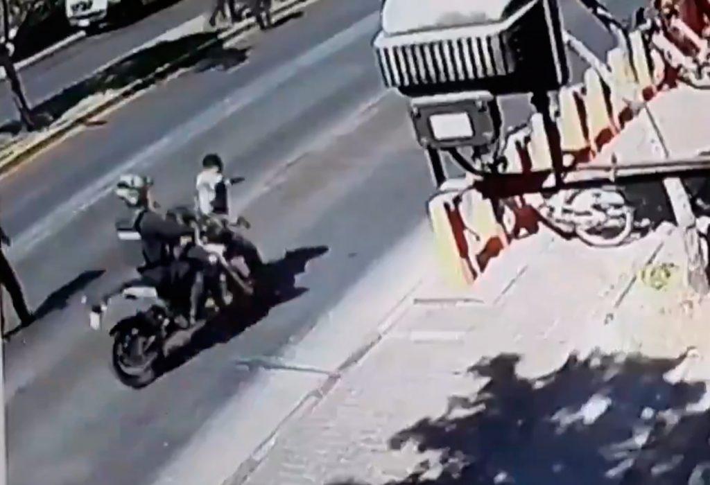 Carabinero le disparó a su compañero y fue atropellado por guardia municipal