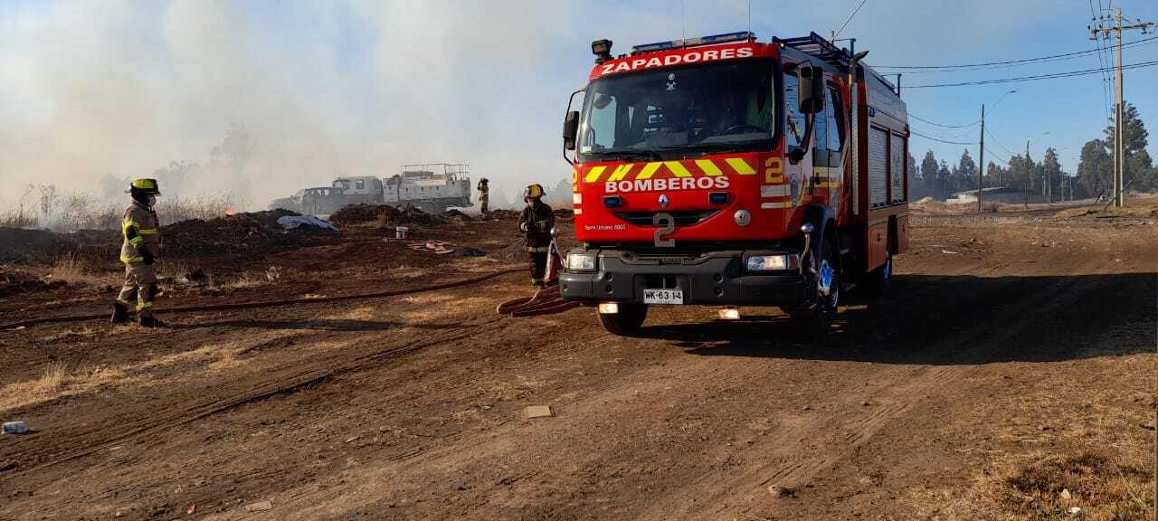 Incendio afecta sector Villa Los Profesores en Los Ángeles