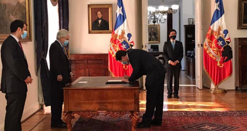 Briones se va del ministerio de Hacienda para comenzar su 'desafío presidencial'