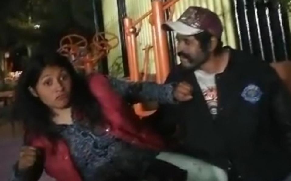 «Soy chica 13»: Mujer le da puñetazo a acosador y se vuelve viral