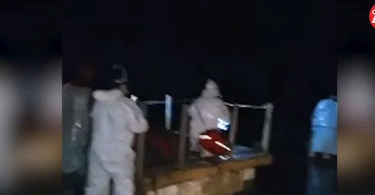 Indigno: paciente con Covid-19 debió ser trasladado en una balsa de plumavit