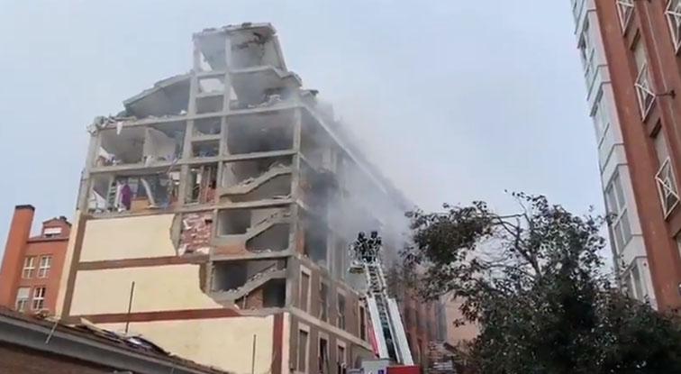 Fuerte explosión se registró en el centro de Madrid: edificio quedó destrozado