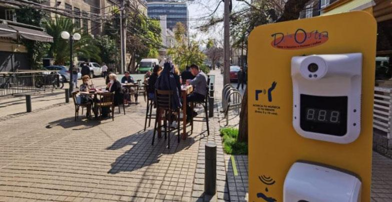 Gobierno da marcha atrás: cafés y restoranes en Fase 2 y 3 podrán usar música ambiente