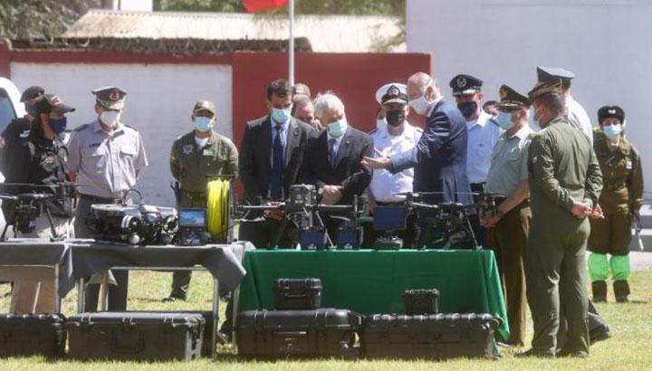 Piñera a cuarentena preventiva: este martes estuvo junto a ministros y carabineros