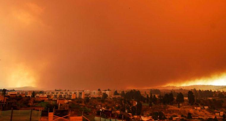 Evacúan sectores de Quilpué: Incendio Forestal en Valparaíso se agrava