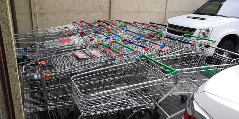 Tres sujetos detenidos por receptación: fueron sorprendidos con 56 carros de supermercado