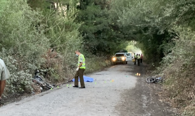 Los Ángeles: Mujer muere en colisión de motocicletas