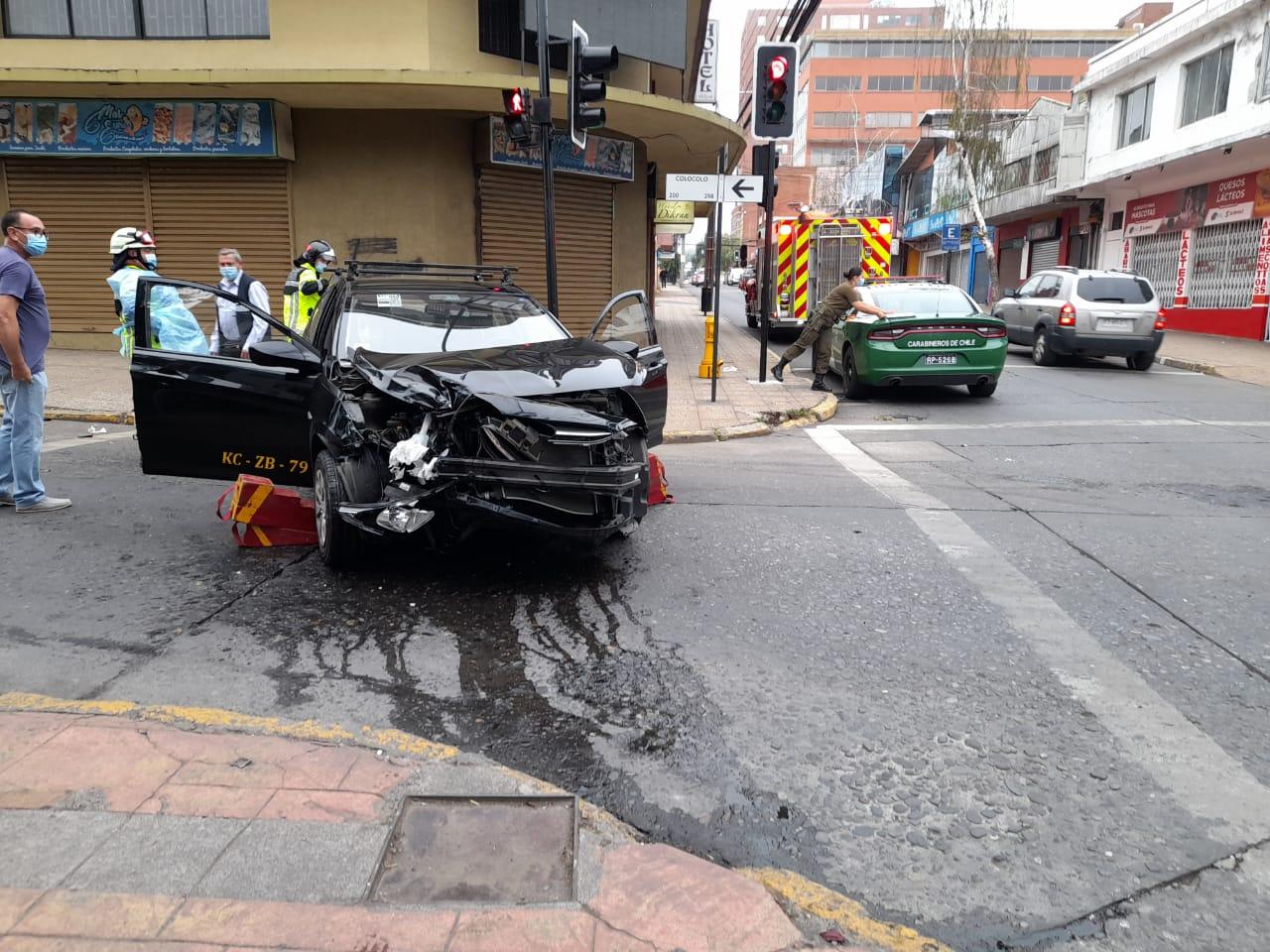 Los Ángeles: Una mujer resulta lesionada tras colisión en el centro