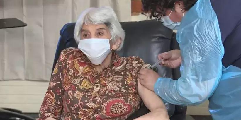 Atención: personas cuya comuna esté en cuarentena no necesitan permiso para ir a vacunarse