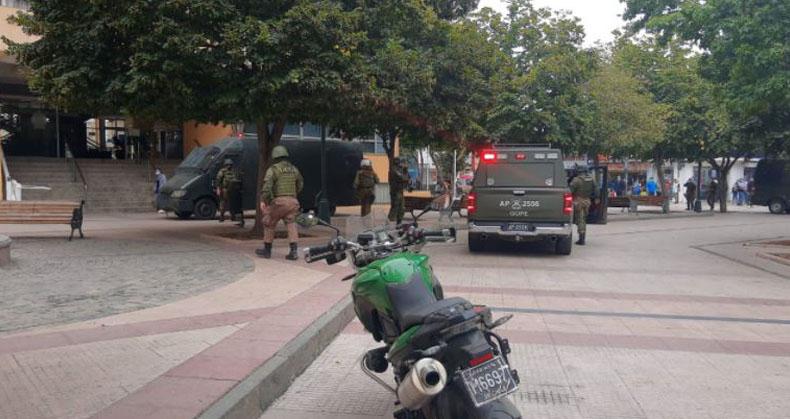 Anciano ingresó con arma de fogueo a municipalidad de Rancagua: quería denunciar problemas de salud