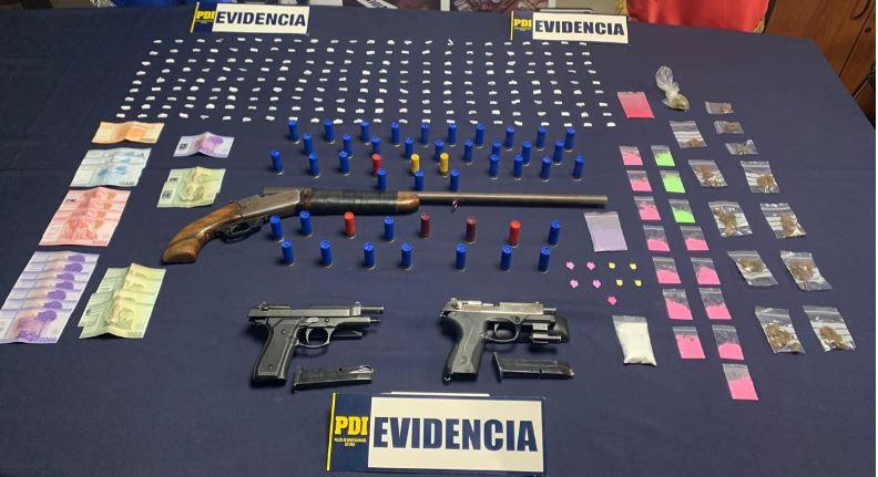 Tenían cocaína, marihuana, éxtasis y armas: PDI detuvo a 4 personas en Coronel