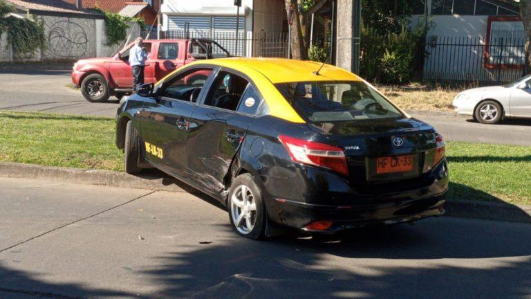 Los Ángeles: Conductor impacta a un taxi y se da a la fuga a gran velocidad