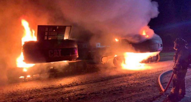 Ataque incendiario a una constructora en La Araucanía dejó 15 máquinas destruidas