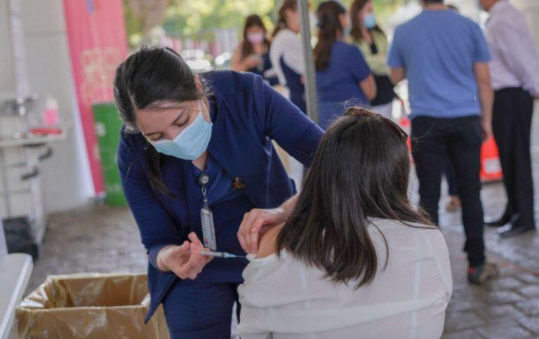 Cifras del Minsal: más de 37 mil personas que no pertenecen a grupos prioritarios se han vacunado
